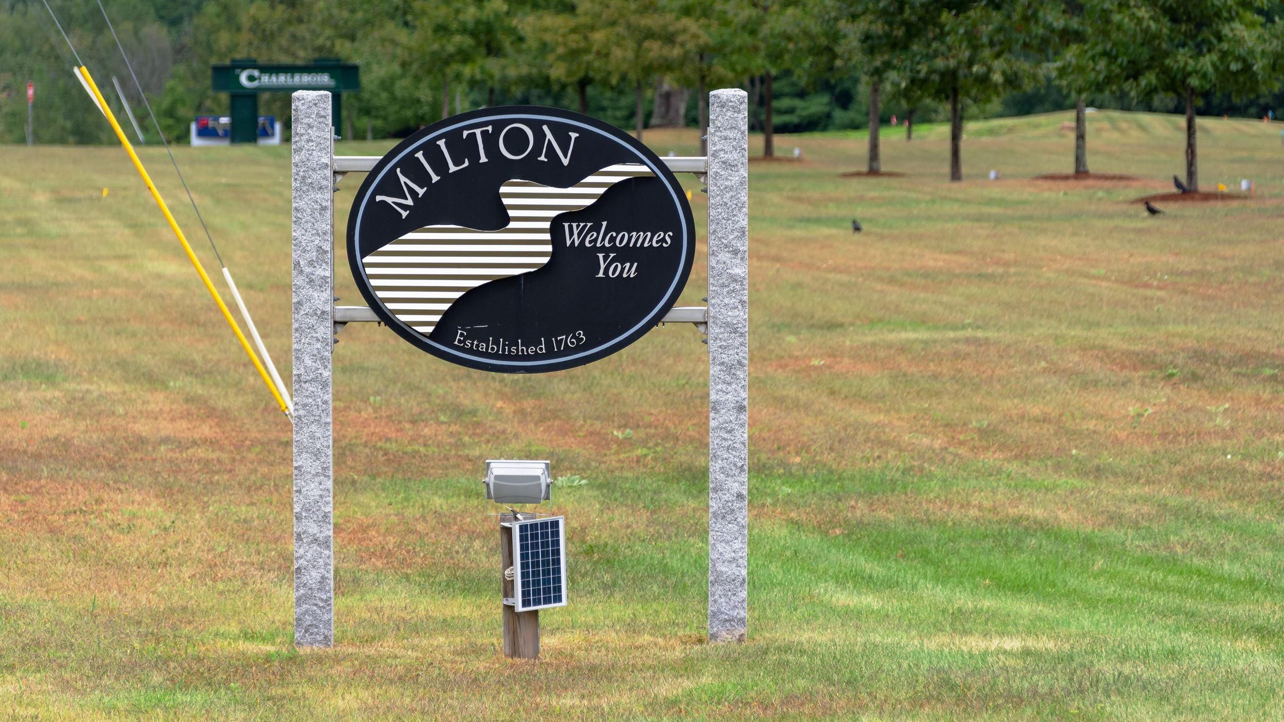 Milton Welcomes You Sign South